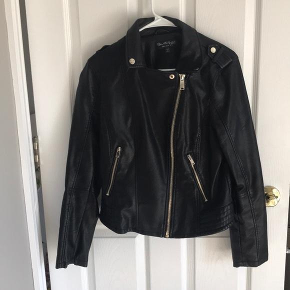 So good I had to share! Check out all the items I'm loving on @Poshmarkapp #poshmark #fashion #style #shopmycloset #missselfridge #incinternationalconcepts #aerie:
