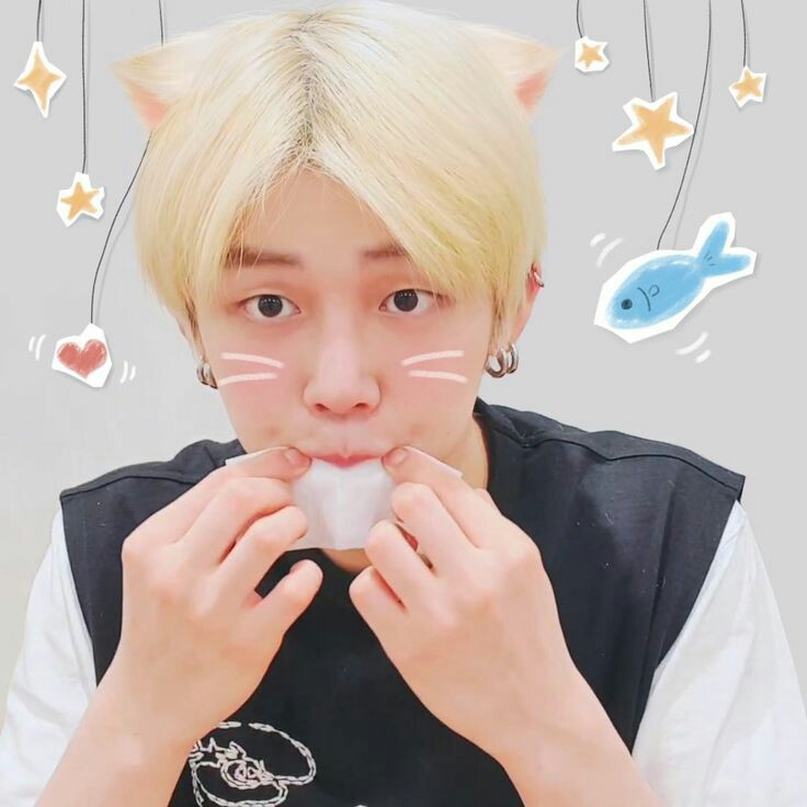 Super cute Yeonjunie 💙😭 it make me have diabetes OMG 😭 @TXT_members @TXT_bighit #연준이에게_물어봐