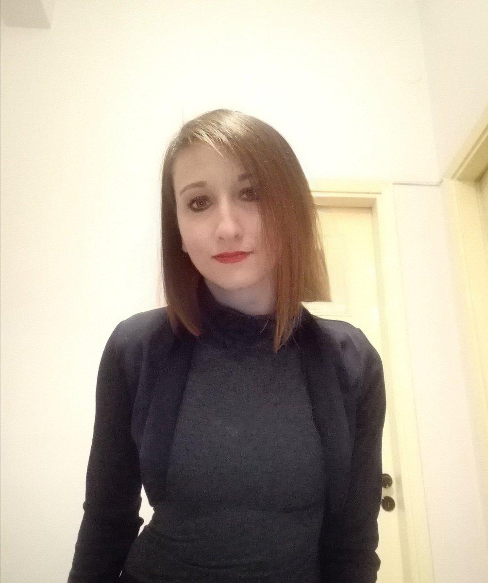 Smile 😊✨ #me #selfie https://t.co/LPZTFjEPlk
