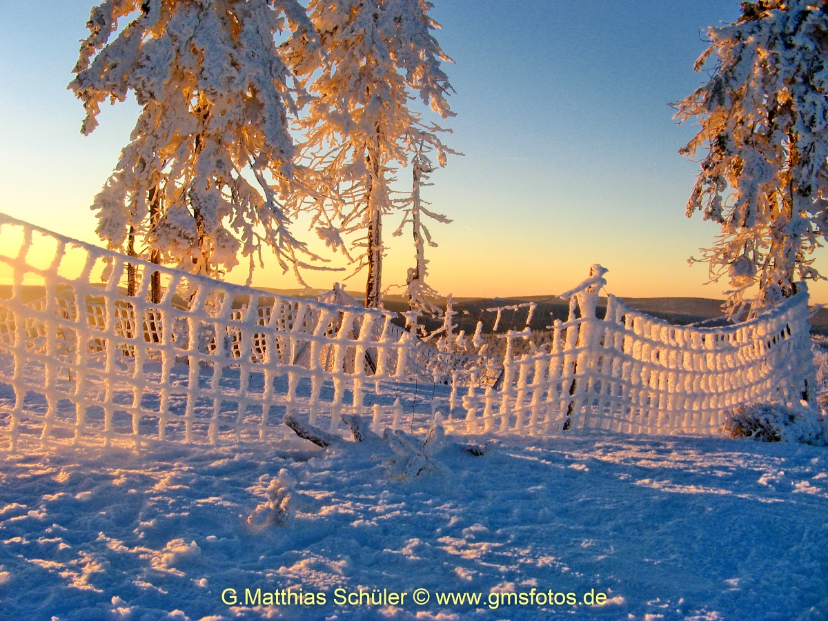 Snow landscape -Sunset on the #Wurmberg (archive) - a winter day comes to an end #Harz #sunset  #snow #Winter #Landscape #outdoor #gmsfotos   @SnowHour