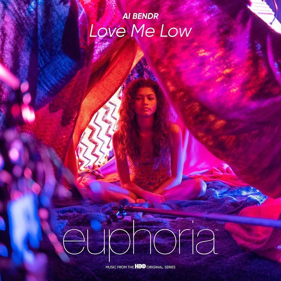 """NEWS Zendaya pojawiła się na okładce piosenki """"Love Me Low"""", która pojawia się w drugim specjalnym odcinku #EUPHORIA. Piosenki możecie przesłuchać tutaj:"""