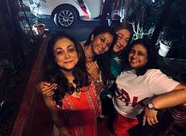 Tina Ambani at an outgoing with her friends  #tinaambani #tinamunim #ambanifamily #films #family #love #together #togetherforever #sisters #mother #motherinlaw #familylove #familygoals #passion #togetherness #happiness #life