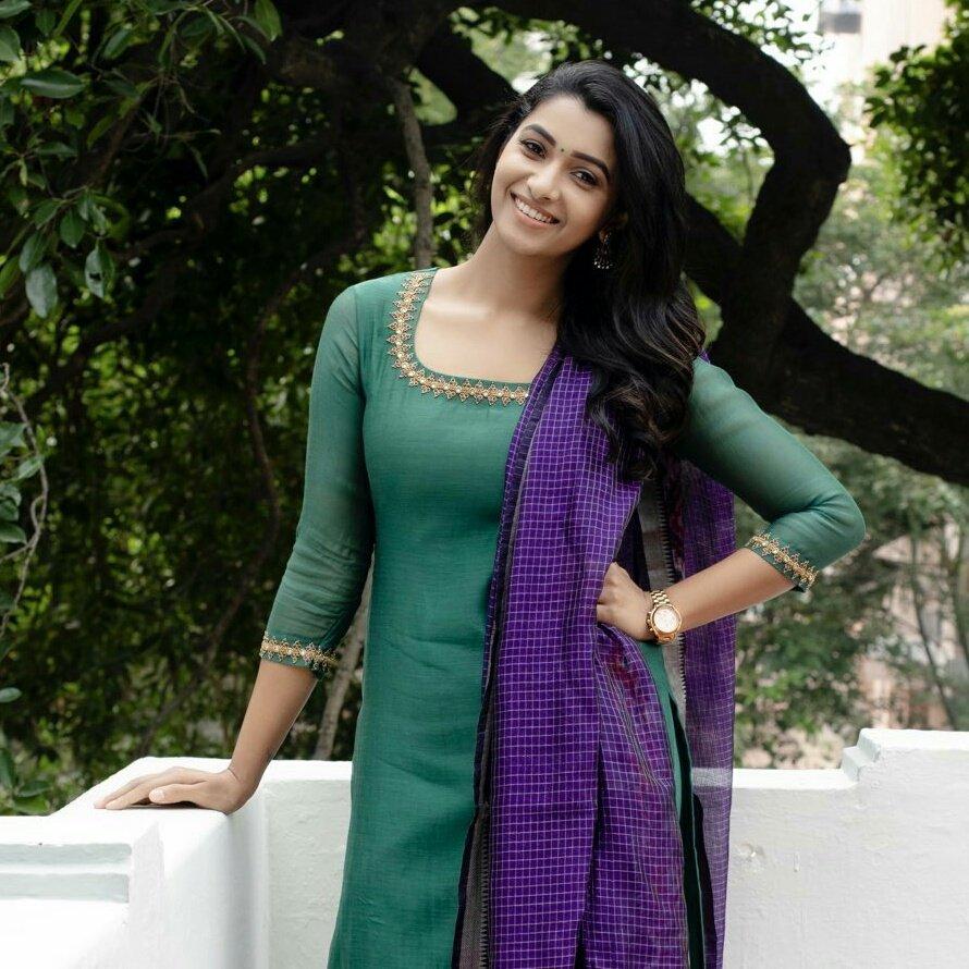 Actress Priya Bhavani Shankar latest pic 💚  #VisualDrops #actress #Priyabhavanishankar @priya_Bshankar #Priya #photography #photoshoot #PhotoOfTheDay #PicOfTheDay #PhotoOfTheWeek #serialactress #KollywoodActress #green #gorgeous #beautiful #beauty