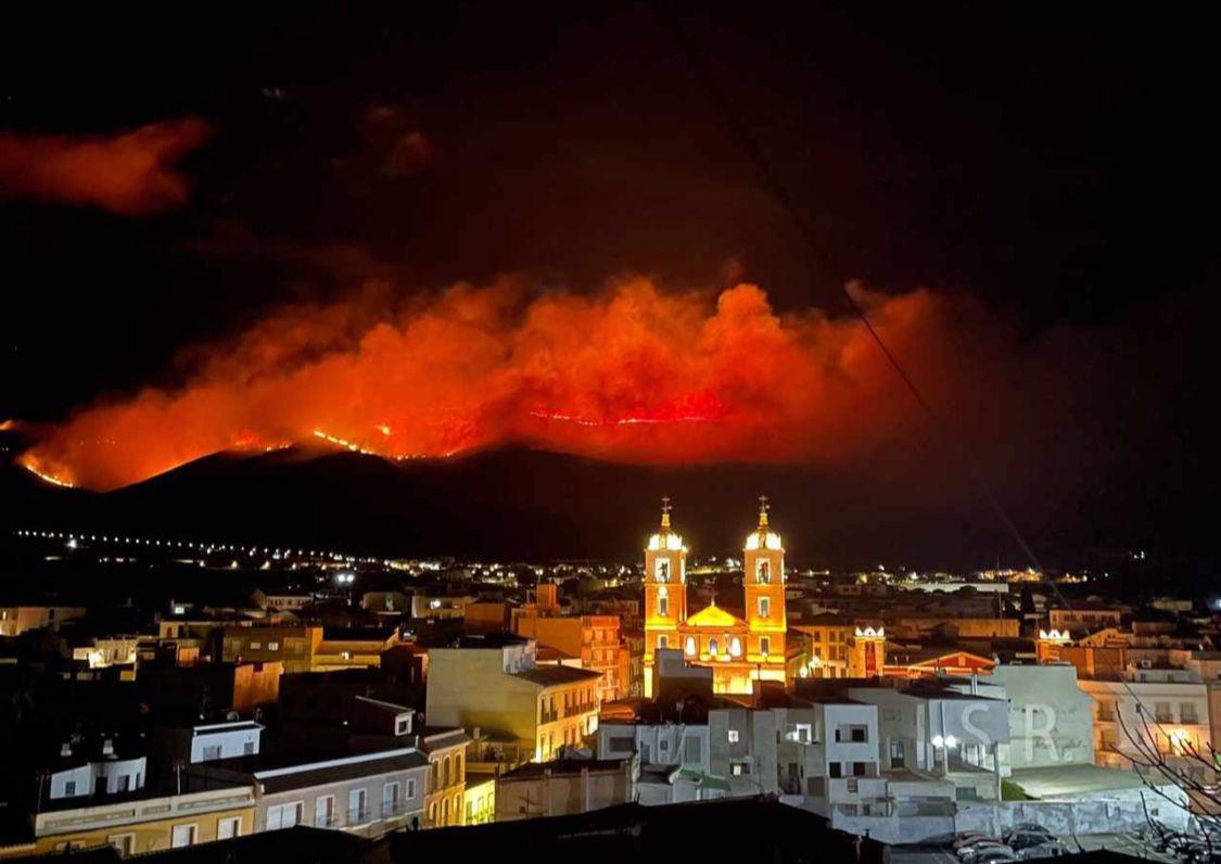 Escuchando las noticias y siguiendo de cerca la evolución del incendio en la Sierra de Gádor de mi tierra Almeria. Seguimos con las malas noticias en este inicio del año. Qué dolor!
