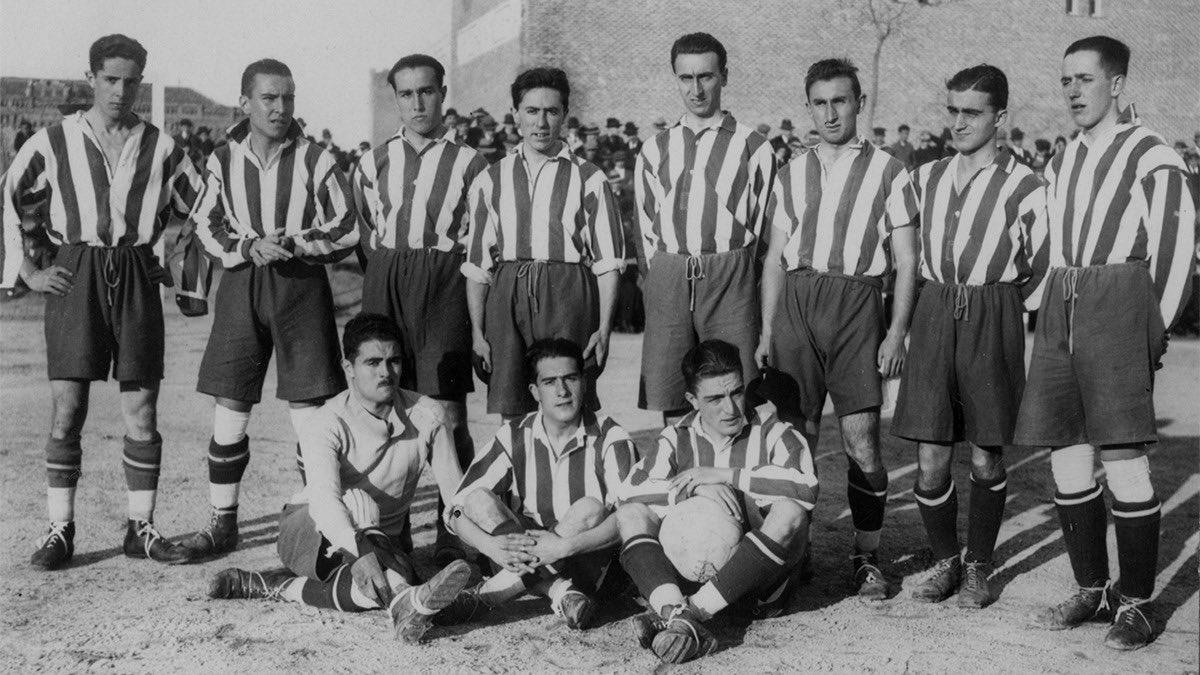 📚🏧 #RedAndWhiteThrowback  🔝 #OnThisDay one century ago, we won our first title 👏  🗓 Jan. 23, 1921  🏆 Campeonato Regional Centro  👥 Luis Olaso, Fajardo, Pololo, Sansinenea, Mieg, Tuduri, Triana, Escalera, Durán, Del Río, Olalquiaga.  🔴⚪ #AúpaAtleti