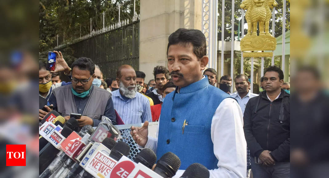 Bengal forest minister quits Mamata govt; TMC says 'no impact', hits back with expulsion of another dissi - Times of India #politics