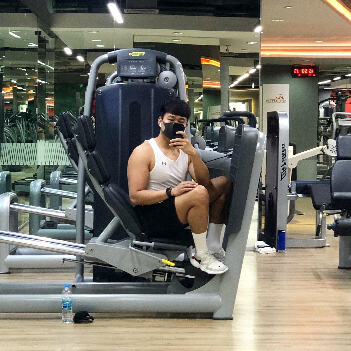 แวะมาตียิม แต่ก็อยากโดนทิ่มแรงๆ 🤨 #Fitness #Gym #muscle