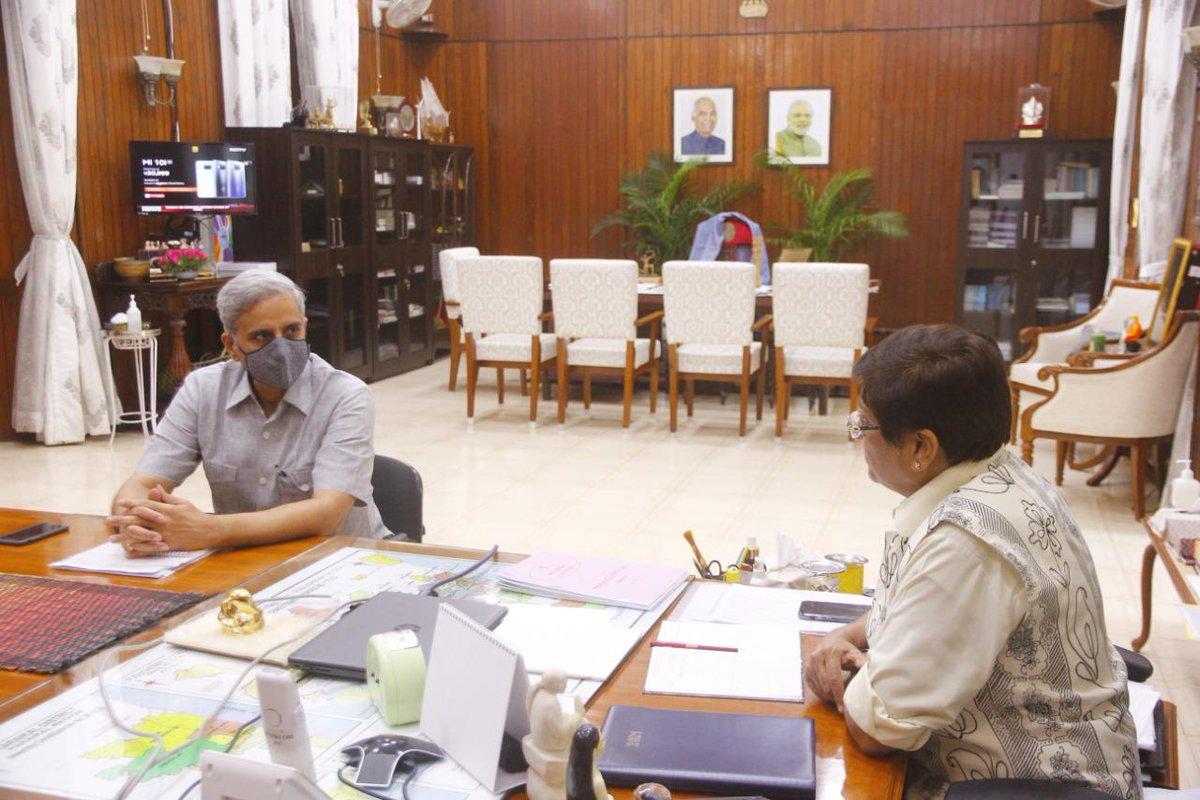 HLG @thekiranbedi held the 2nd One - on - One Meeting with Shri. Ranvir Singh Krishnia IPS, DGP, @PuducheryPolice   @HMOIndia @BhallaAjay26 @PIBHomeAffairs @DDNewslive @airnewsalerts @PBNS_India