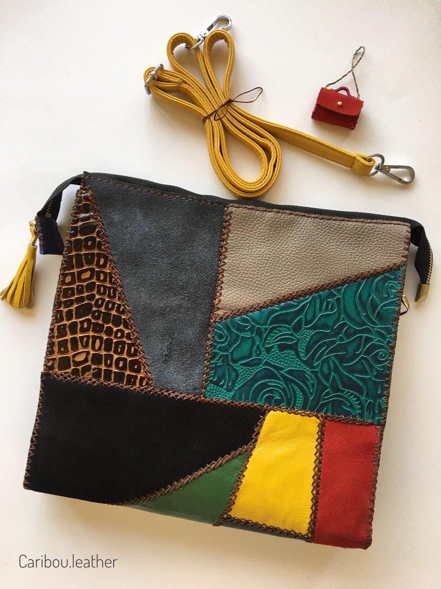 No.4 قیمت:870 🔺موجودی یک عدد🔻 .  . . . . . #هنر#دست_دوز #چرم_طبیعی #کیف#طرح#مهسا_میبدی #هنری#خلاقیت#برند#کاریبو #هنر #کار_دست #سرگرمی_در_خانه #ماندنی #گوزن_مهربون #باعشق  #art #handmade #natural_leather #bag #interesting #beautiful #artistic #creativity #brand #caribou_leather