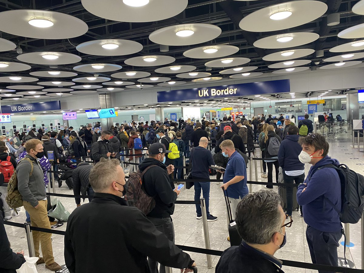 What a welcome home.   Good to see @ukhomeoffice has oiled the machine. Wouldn't want people standing around in large numbers @HeathrowAirport, would you?