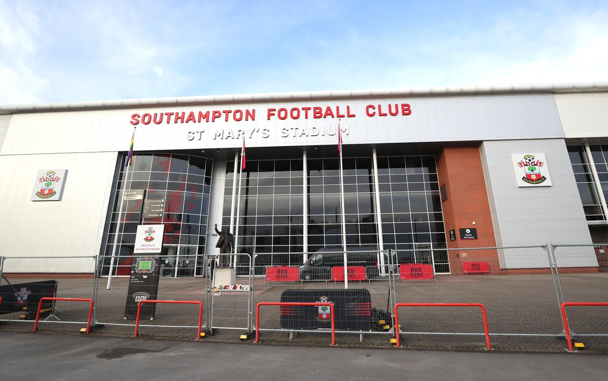 👋 We're here!  📍 St Mary's Stadium, Southampton  🔢 Who would you like to see in today's starting XI? 💭  🔜 #EmiratesFACup