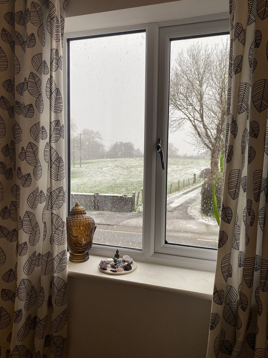 Snowy #Saturdaymorning with James Martin, my new favourite Jonathan Pang 🤣