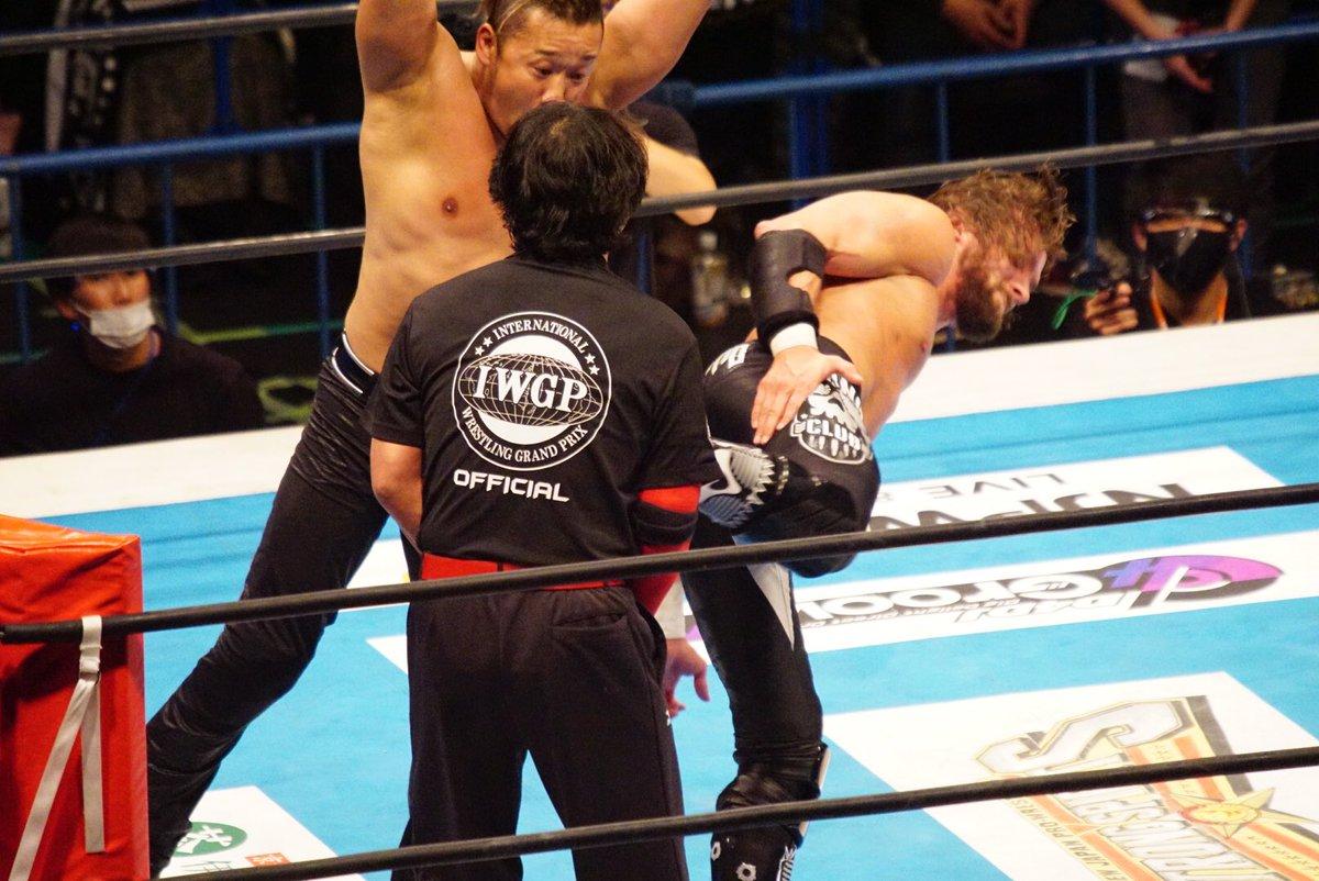 鍛え抜かれたレスラーですら悶絶するELPのスーパーキック、一般人が喰らったらそらひとたまりもないよ!  #新日本プロレス #njnbg
