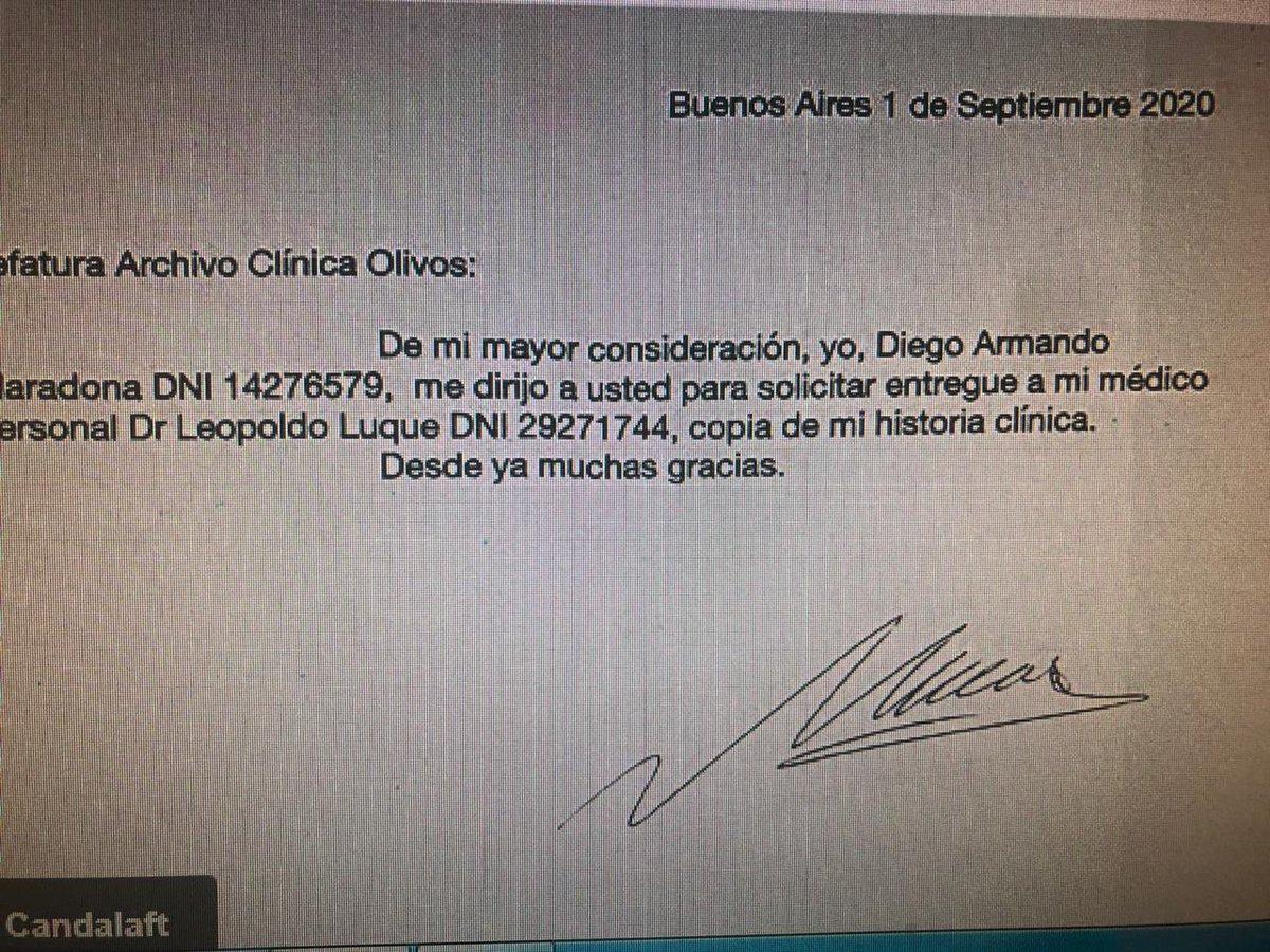 No te quedes en un médico perejil cholulo ,vayan más arriba en el que lo contrato,el acataba órdenes @dalmaradona @gianmaradona @GuilleCoppola @IGMARADONIANA @Carocoscarelli @IneditoMaradona  @MaradonaPICS @IosuMardones10 @DiarioOle @rialjorge @deboradamato @DaniAmbrosino