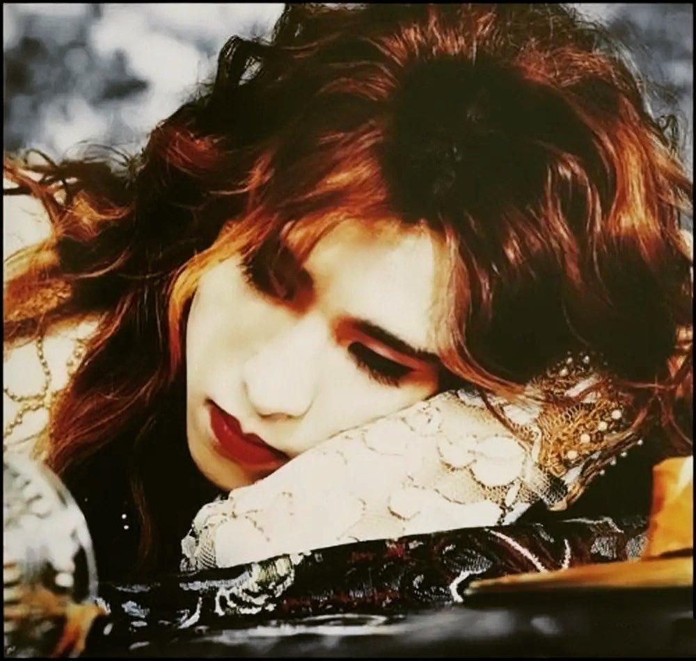 【Yoshiki】 My hair was fxxkin long.. この頃髪長かったなー #fbf #yoshiki #xjapan #x #flashbackfriday Drinking @ybyyoshiki Listening #artof...