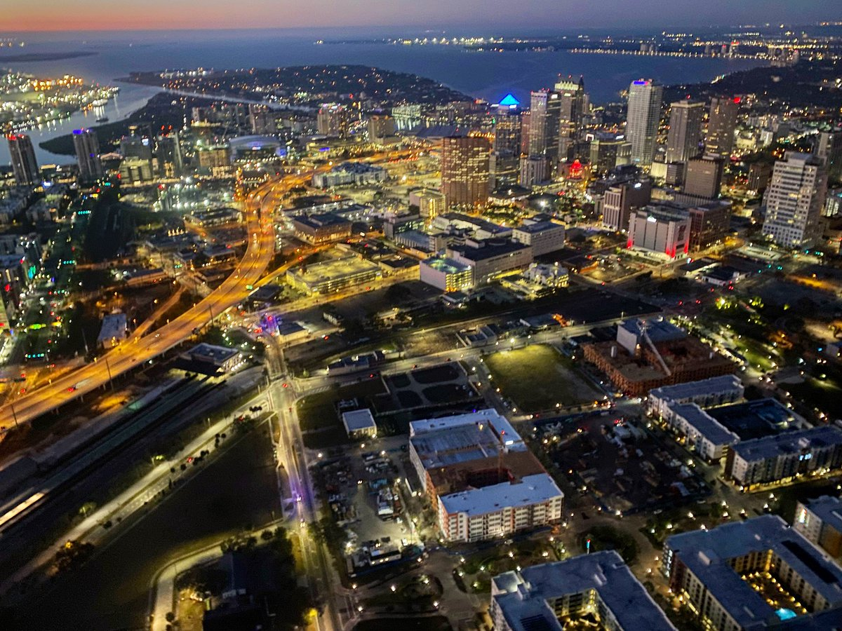 .@WFLA    Lighting up the sky 🚁 #Tampa #SaturdayMorning #SaturdayVibes #BeSafe