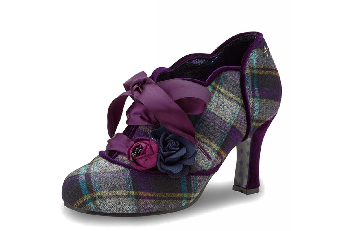 These beautiful shoe-boots are only available in UK 8 and UK 9 at the moment, all other sizes have sold out. x    #shoes #freeukdelivery #bestseller #joebrowns #fashionshoes #shopsmallonline #shopindependent #shopsmall