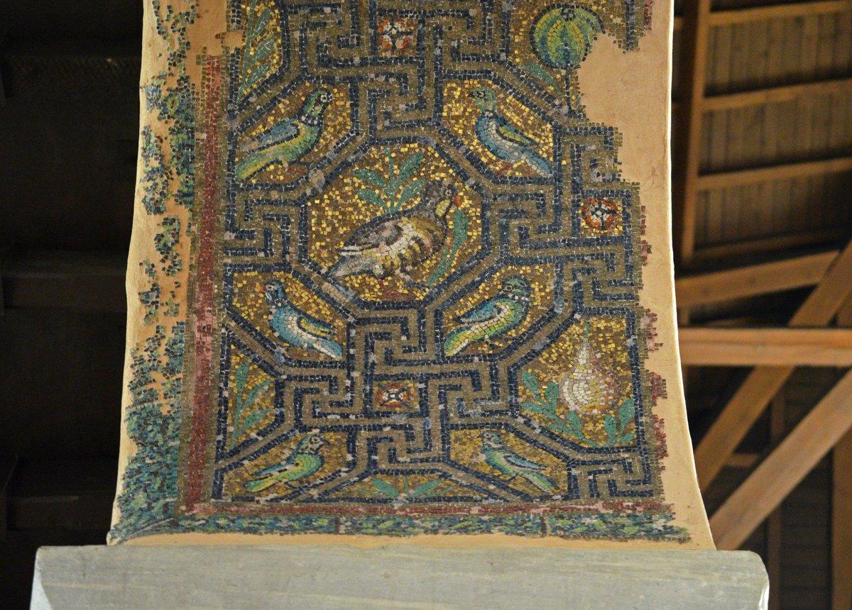 Replying to @ByzantineLegacy: Mosaics ofPanagia Acheiropoietos, a 5th century basilica in Thessaloniki