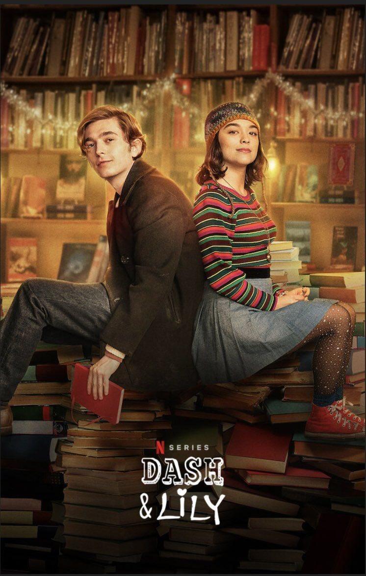 Dash & lily หนังฟีลกู้ด น่ารักมากกกกก เหมาะกับดูตอนคริสมัสสุด คือแบบอินมากกก เกี่ยวกับผญเอาหนังสือที่พูดถึงตัวเองไปไว้ในร้านหนังสือเพื่อให้ผชที่คิดว่าเหมาะกับเธอเจอ เรื่องราวก้คือจะเปนการคุยกันผ่านหนังสือเล่มนี้ ฟีลกู้ดมากดูเพลินงับ  🥦: 7/10 #DashAndLily #NetflixTH #movietwit