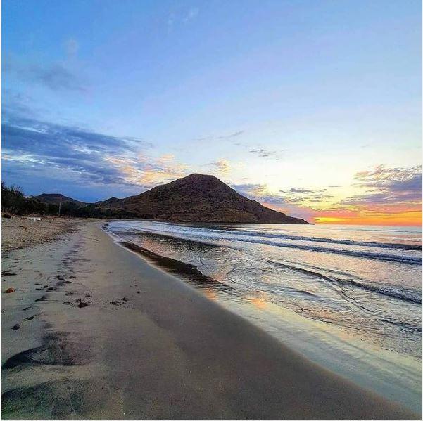 almerimagen #Repost @almeriaembrujada Foto @monomaloteycia Playa de los Genoveses #ALMERIAEMBRUJADA #almerimagen #almeria