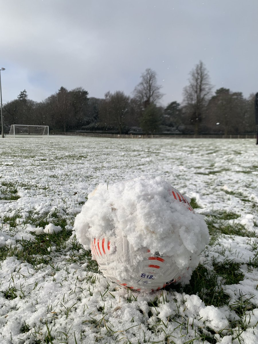 ABANDONED | The U18s' game at Wolves has been abandoned due to the heavy snowfall, after 30 minutes.   #WOLBUR | #UTC