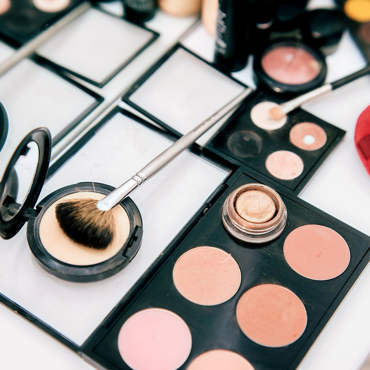 Makeup course visit our website and see link in the bio. #instagram #instagood #love #like #follow #photography #photooftheday #instadaily #likeforlikes #picoftheday #fashion #bhfyp #beautiful #instalike #me #likes #followforfollowback #smile #followme #myself #art #photo #happy