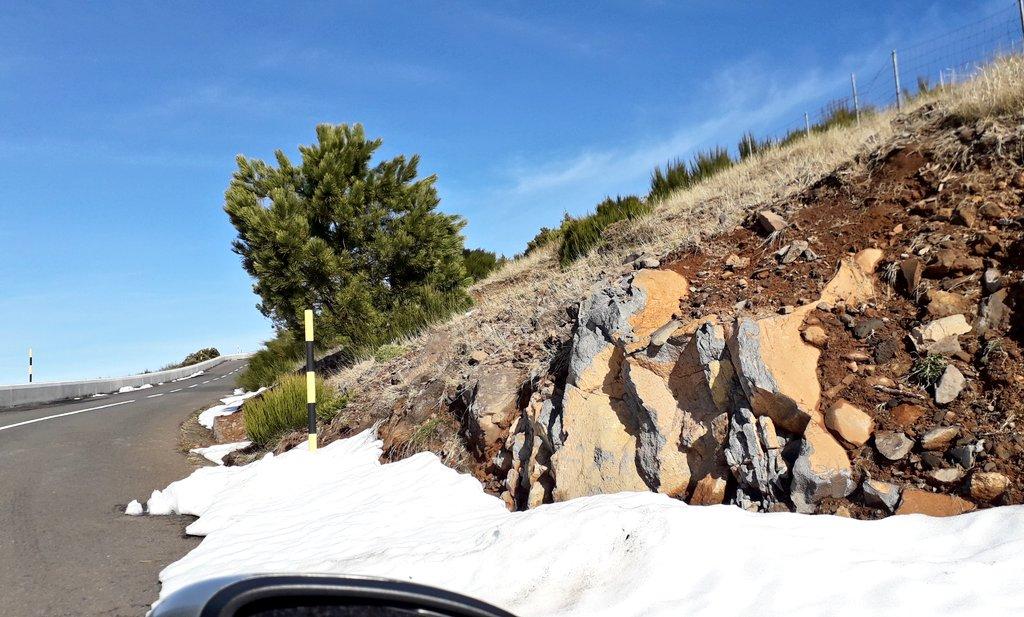 There is still #snow... 😁❄❄❄⛄ #SaturdayVibes, #mountains, #MadeiraIsland 🏝