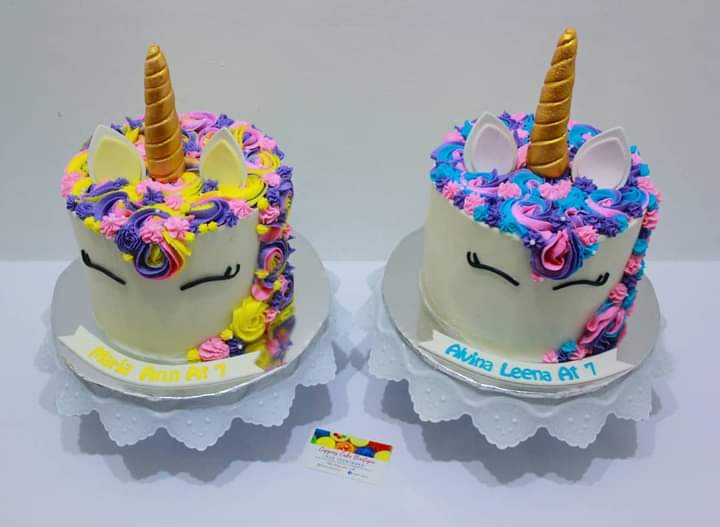 How cute are these 2 unicorn cakes 🥰  We definitely love twin concepts #saturdayvibes #twins #birthdaycake