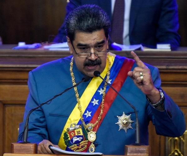 "Venezuelan Dictator Maduro celebrates: 'We Beat' Trump  ""Donald Trump has left, we beat him, Venezuela's victory,"" Maduro told his countrymen.   #NewsCoup #headlines #venezuela #donaldtrump #trump #trunews"