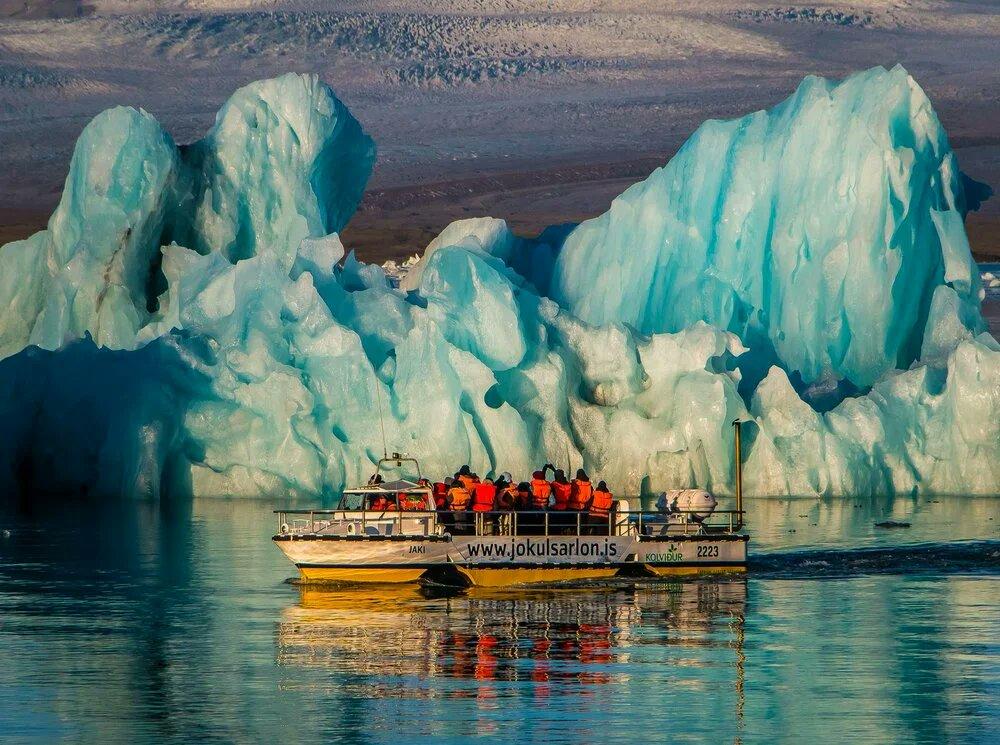 Bellissima settimana a tutti!🙋♂️  #buonasera #civediamo #Greenland #photography #PHOTOS #photooftheday #NaturePhotography #nature #glacier #boat #landscape https://t.co/11g3tMeqKz