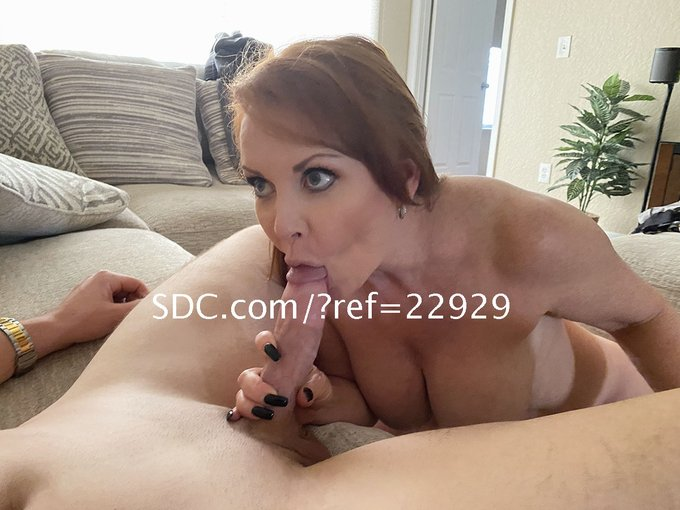 Hubby & I found this MILF-loving 25-year old, big-dicked stud on https://t.co/rKkWgME6Yx. We were sucking