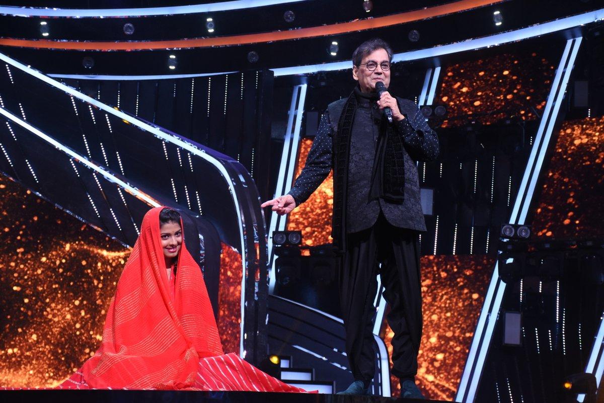 Watch how #IdolArunita gets choreographed by none other than #SubhashGhai sir aur unhone mausam badal diya! Dekhte rahiye #IndianIdol2020 @iAmNehaKakkar @VishalDadlani #HimeshReshammiya #AdityaNarayan @FremantleIndia @ArunitaKanjila1 @SubhashGhai1 #SubhashGhaiSpecial