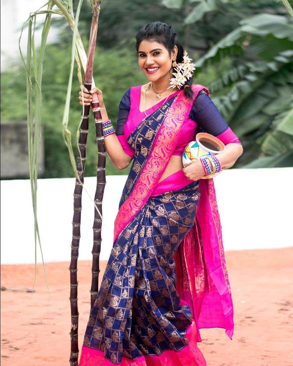 #Nivisha 💖 in saree blouse  #Pongal2021 #PongalFestival @i_nivisha