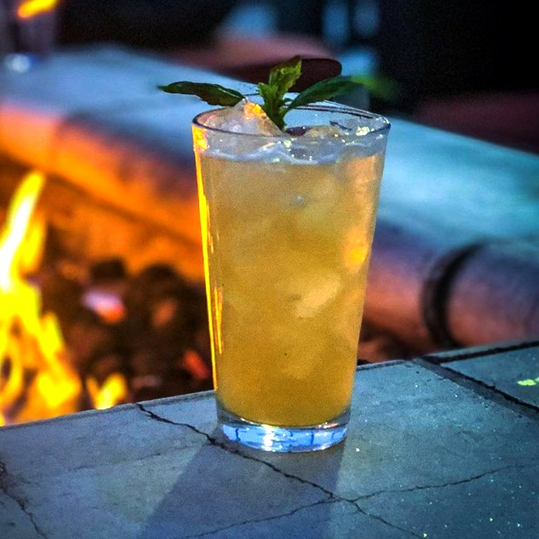 🔥 Why do cocktails taste so much better when you're drinking them fireside? https://t.co/3R7F3BpTjx