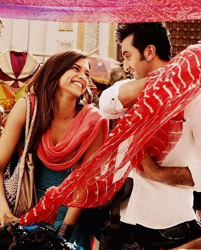 A happy picture of #RanbirKapoor and #DeepikaPadukone from #YJHD.