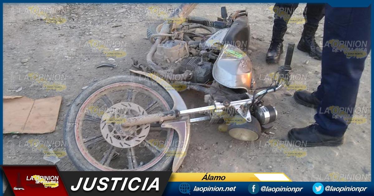 El irresponsable conductor se dirigía hacia su domicilio, cuando perdió el control de su unidad, lo que le provocó varias lesiones. #Álamo  #LaOpiniónDePozaRica  Entérate más aquí 👇👇👇
