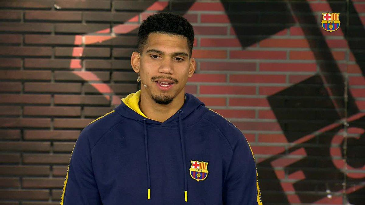 🇺🇾 @RonaldAraujo939                  ❝Estic feliç perquè estic sumant minuts, estic jugant i ajudant a l'equip.❞