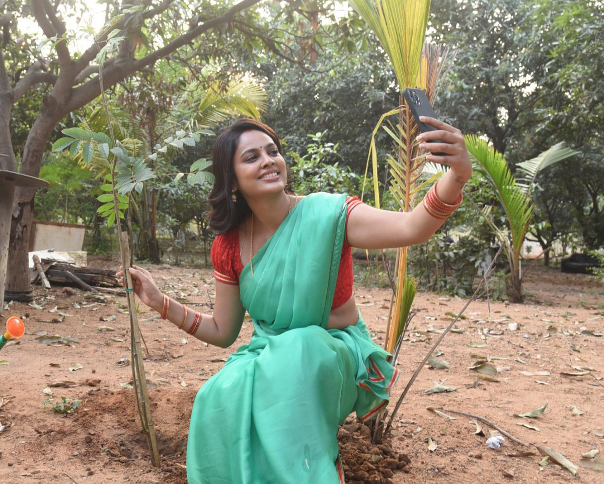 .@Nanditasweta accepted #HaraHaiTohBharaHai #GreenindiaChallenge  Inspiration from @MPsantoshtrs Planted 3 saplings. Further She nominated @actor_Nikhil @aishu_dil #prashanth Kalki director  to plant 3 trees & continue the chain special thanks to MP garu for taking this intiate.