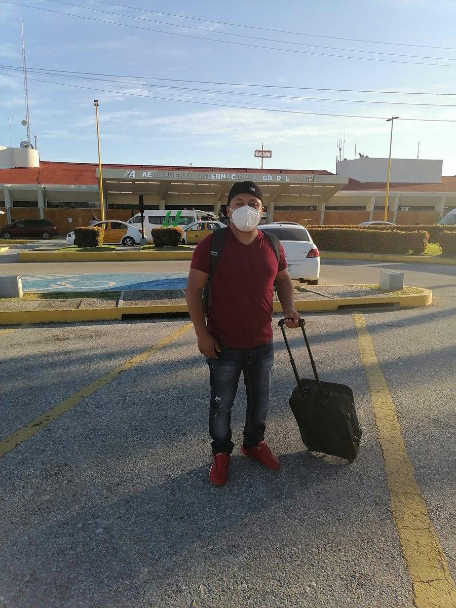 @OmarGon21823890 Un excelente día #llegandoacuidaddelcarmencampeche hay que darle duro al trabajo #siemprefeliz
