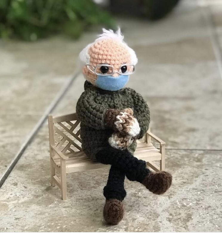 test Twitter Media - Is it wrong that I want someone to crochet a little Larry King? https://t.co/kTTFggJ72a