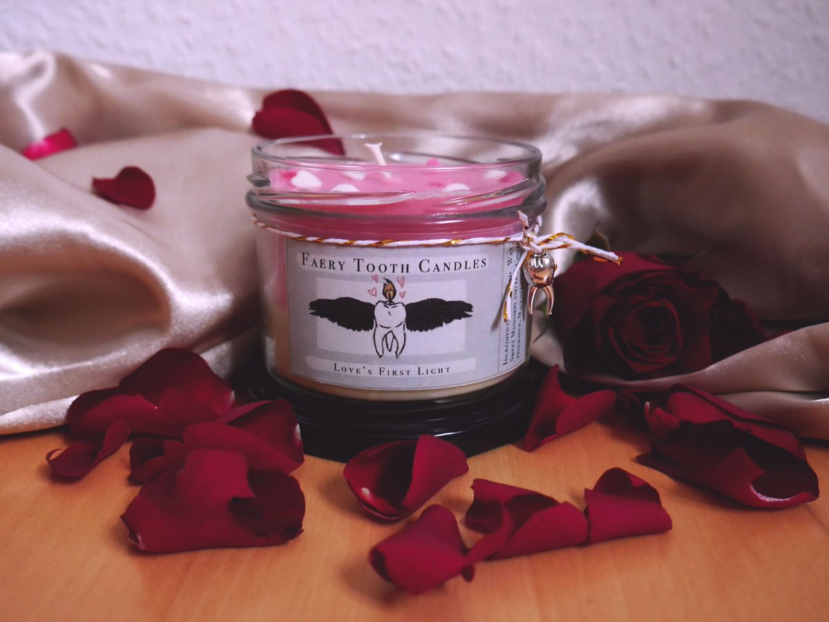"#ValentinesDay is coming up and #love is in the air. 💫 Our new ""Love's First Light"" #candle captures this feeling for you and brings you a firey-sweet scent mixture of spicy chili and sweet tangerine to spoil your loved ones (and yourself!) with. 💫 Perfect #gift 💫"