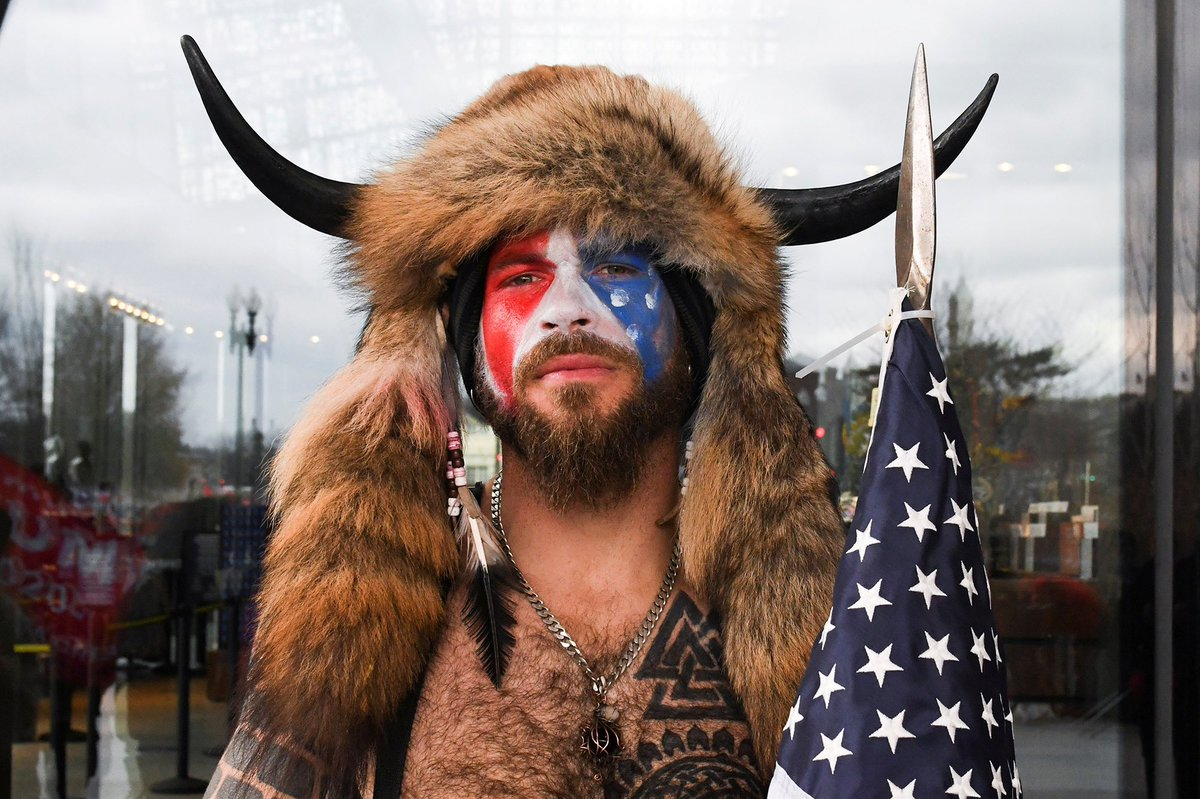 Lawyer for Jake Angeli who stormed the Capitol in a fur headdress with horns says his client feels 'duped' after Trump didn't pardon him #JakeAngeli https://t.co/wj3oCSVp3W