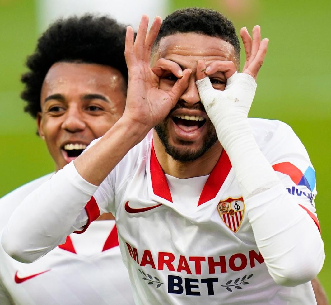 Calling all our dear 🇲🇦 fans...  How do you say @LaLigaEN top scorer in your language? 😉   #WeareSevilla #NeverSurrender
