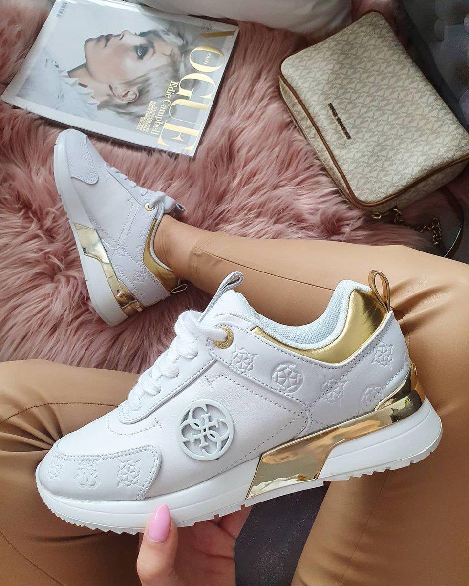saturday shoe game