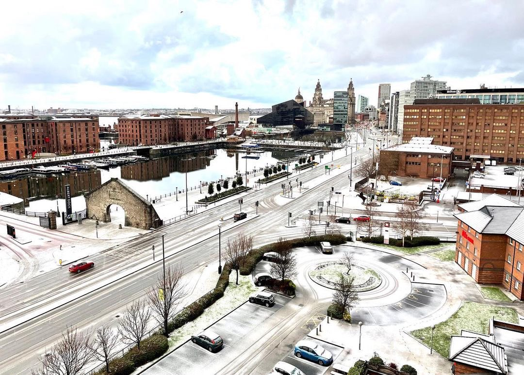 RT @scousescene: #Liverpool on a cold snowy day ❄️   📸 Steven Quayle https://t.co/gSs6KfMPRn
