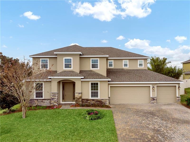 Charming 4 BD/ 4 BA in Clermont has a lot to offer. Call/text/DM me for info.