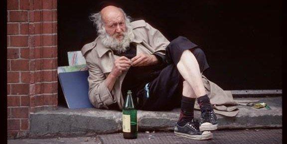 El vagabundo que compra el tesla 😂 #FelizSabado #SaturdayThoughts