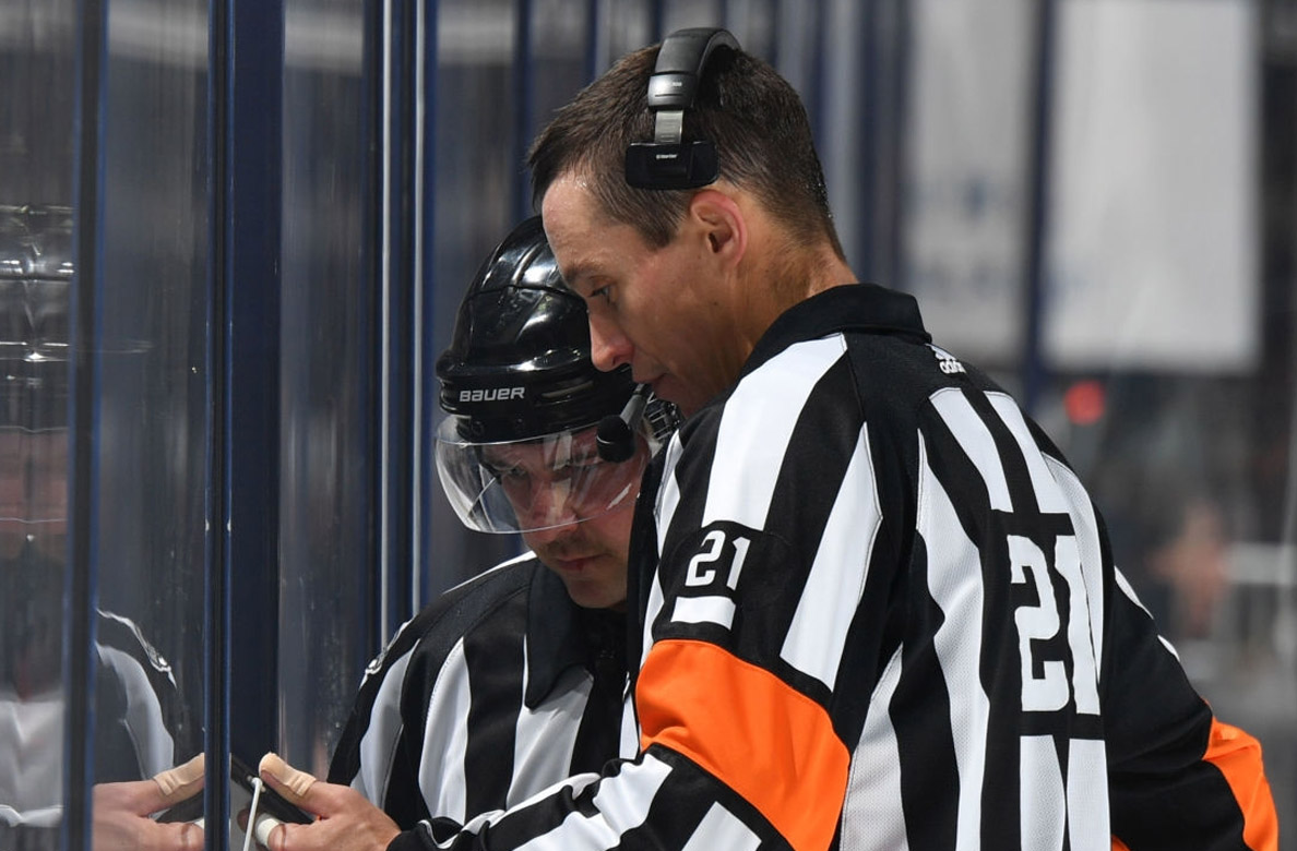 #AnytimeAnywhere #NHLBruins get refs Rank and Luxmore with Smith and Kovachik on lines      #PHI #BOS #PHIvsBOS @NHLFlyers @NHLBruins #Flyers #Bruins