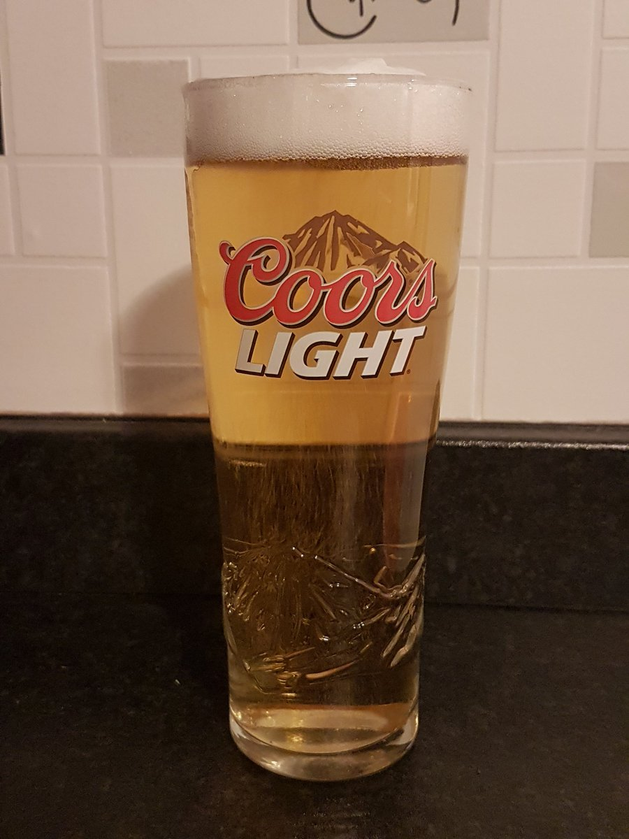 It's #beeroclock! Who's with me? @coorslightuk #TheWorldsMostRefreshingBeer #beers #beer #SaturdayVibes #SaturdayThoughts