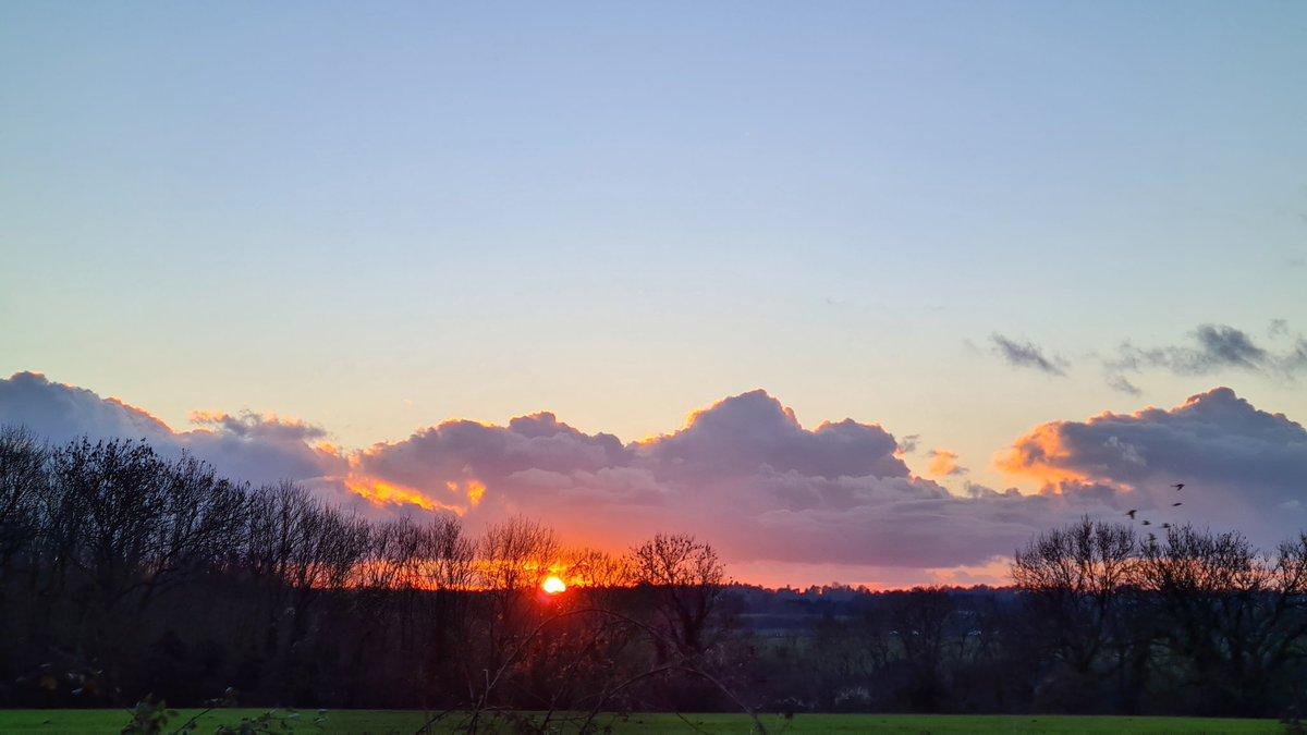 #sunset #NewHill #FarthingDowns #Winter